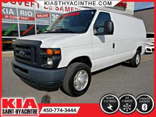 Used 2013 Ford Econoline Cargo Van E-250 Commercial for sale in St-Hyacinthe, QC