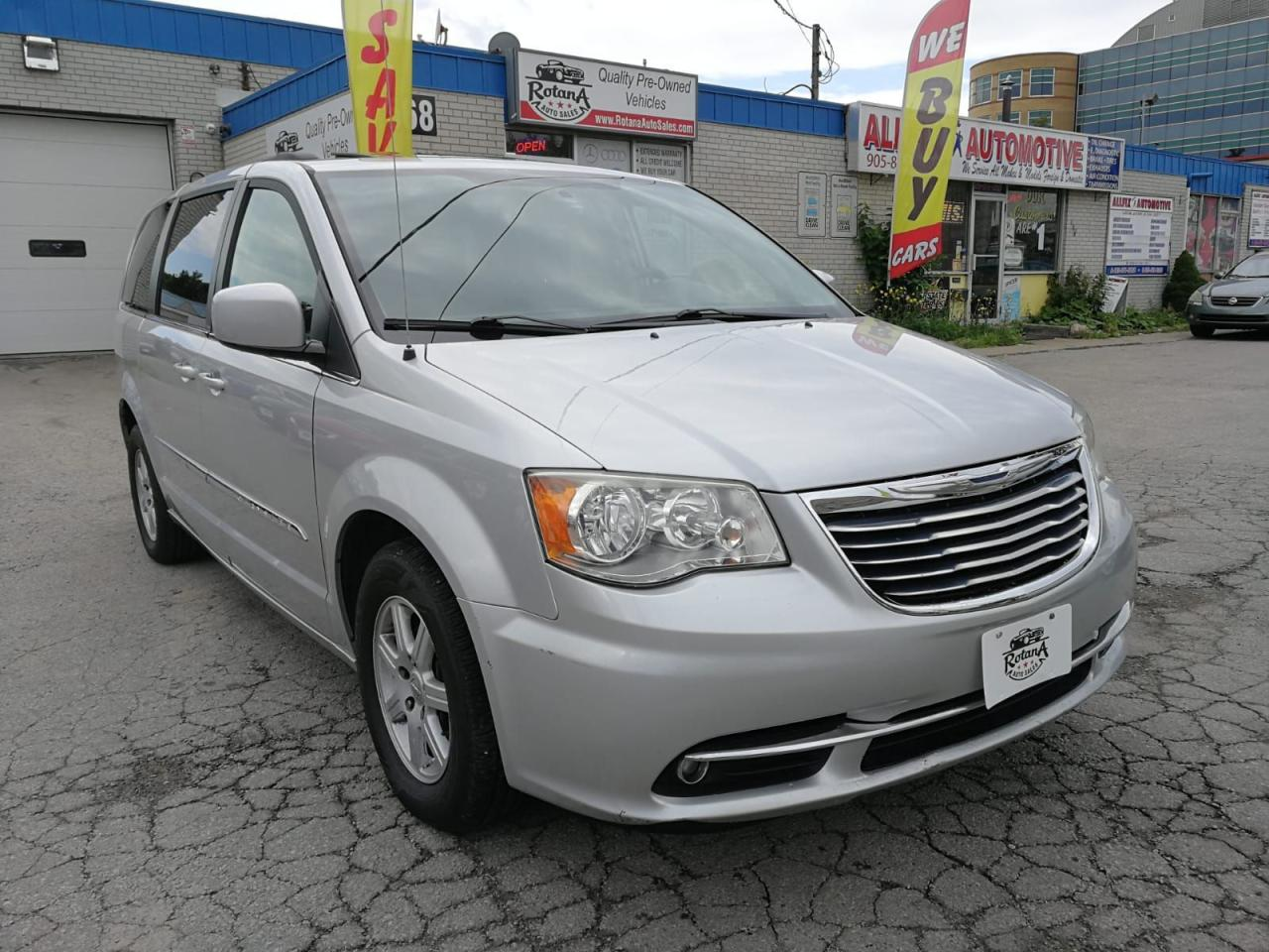 Town And Country Auto Sales >> 2012 Chrysler Town Amp Country Rotana Auto Sales