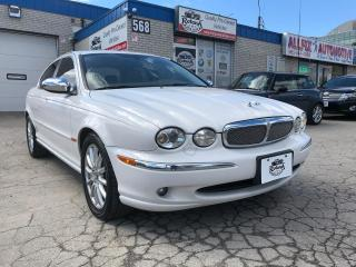 Used 2007 Jaguar X-Type ACCIDENT FREE/LEATHER/SUNROOF/AWD/LOW KMS for sale in Oakville, ON