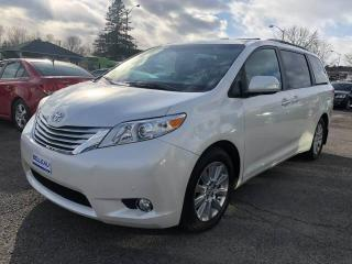 Used 2014 Toyota Sienna XLE-CUIR-AWD-GPS for sale in Québec, QC