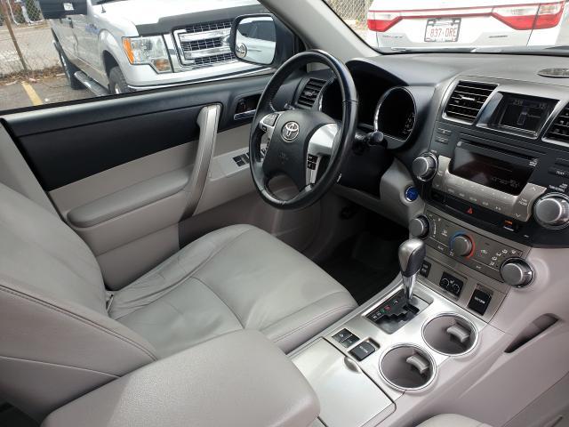 2011 Toyota Highlander Hybrid HYBRID Photo26
