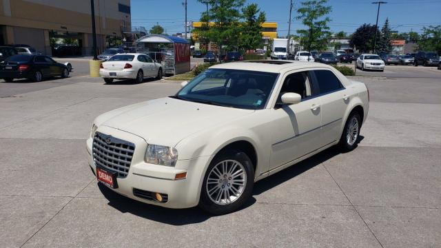 2009 Chrysler 300 Touring, Sunroof, Auto, 3/Y warranty availab