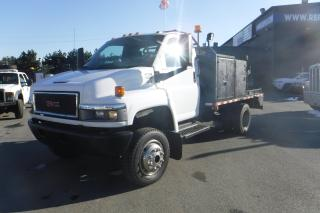 Used 2007 GMC C5500 11 Foot Flat Deck 11 Foot 4WD Service Truck Diesel Dually for sale in Burnaby, BC