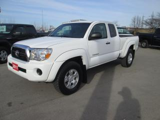 Used 2011 Toyota Tacoma SR5 Access Cab 4X4 for sale in Hamilton, ON