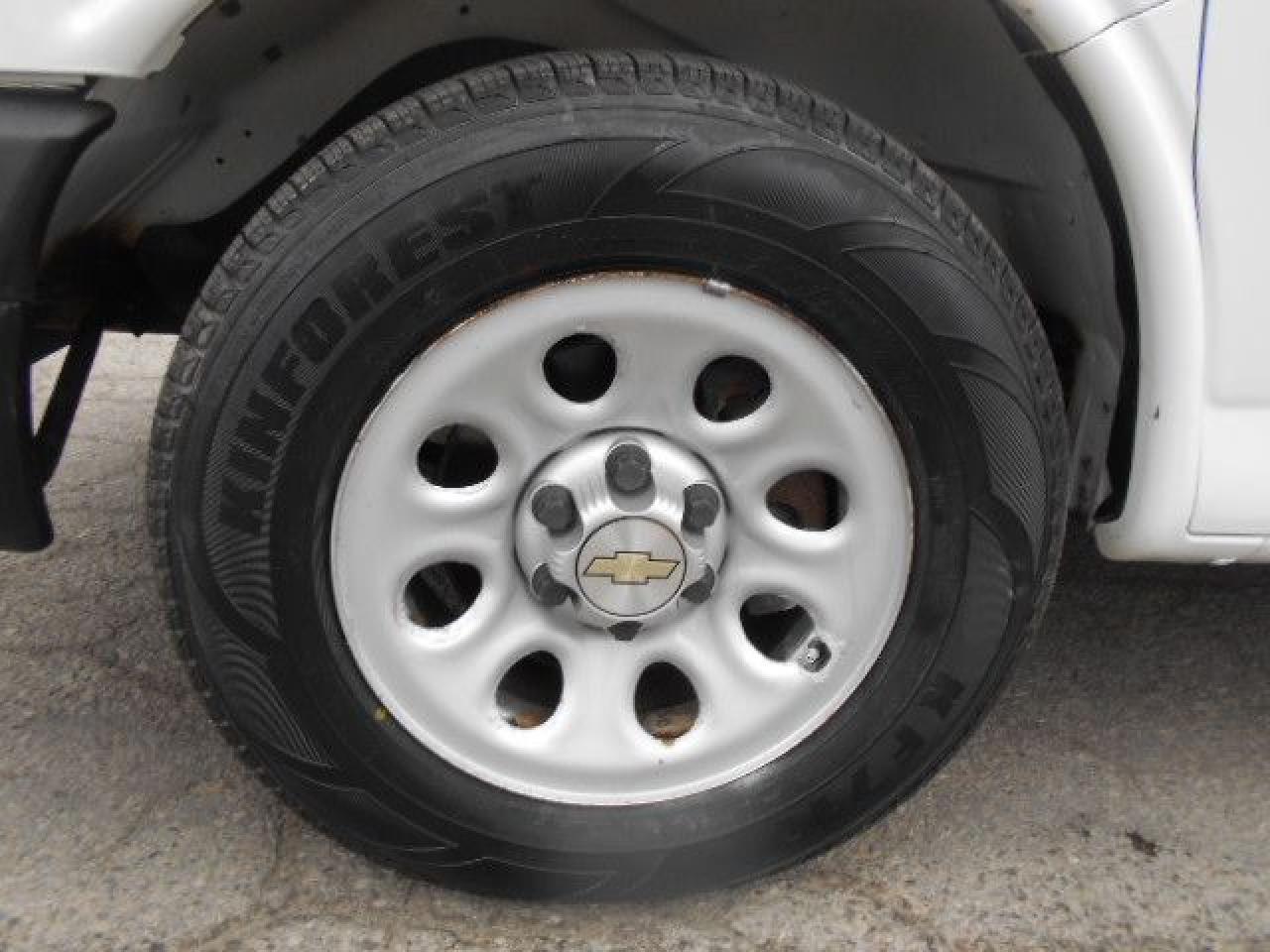 2010 Chevrolet Express 1500 CARGO 4.3L V6 A/C Divider Certified ONLY 136,000Km