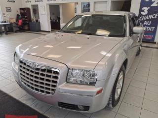 Used 2005 Chrysler 300 BERLINE / TOIT OUVRANT for sale in Sherbrooke, QC