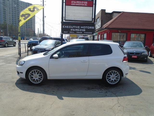 2010 Volkswagen Golf TRENDLINE / NAV/ ALLOYS / 5SPD/ CLEAN / CERTIFIED