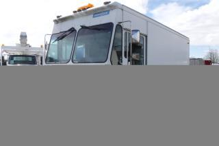 Used 2001 Workhorse P42 Grumman Olsen Cargo Van Mobile Workshop Van with Traffic Signal for sale in Burnaby, BC