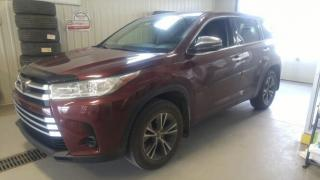 Used 2017 Toyota Highlander LE for sale in Gatineau, QC