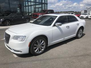 Used 2015 Chrysler 300 300C Plat AWD, GPS, TOIT, for sale in Lévis, QC