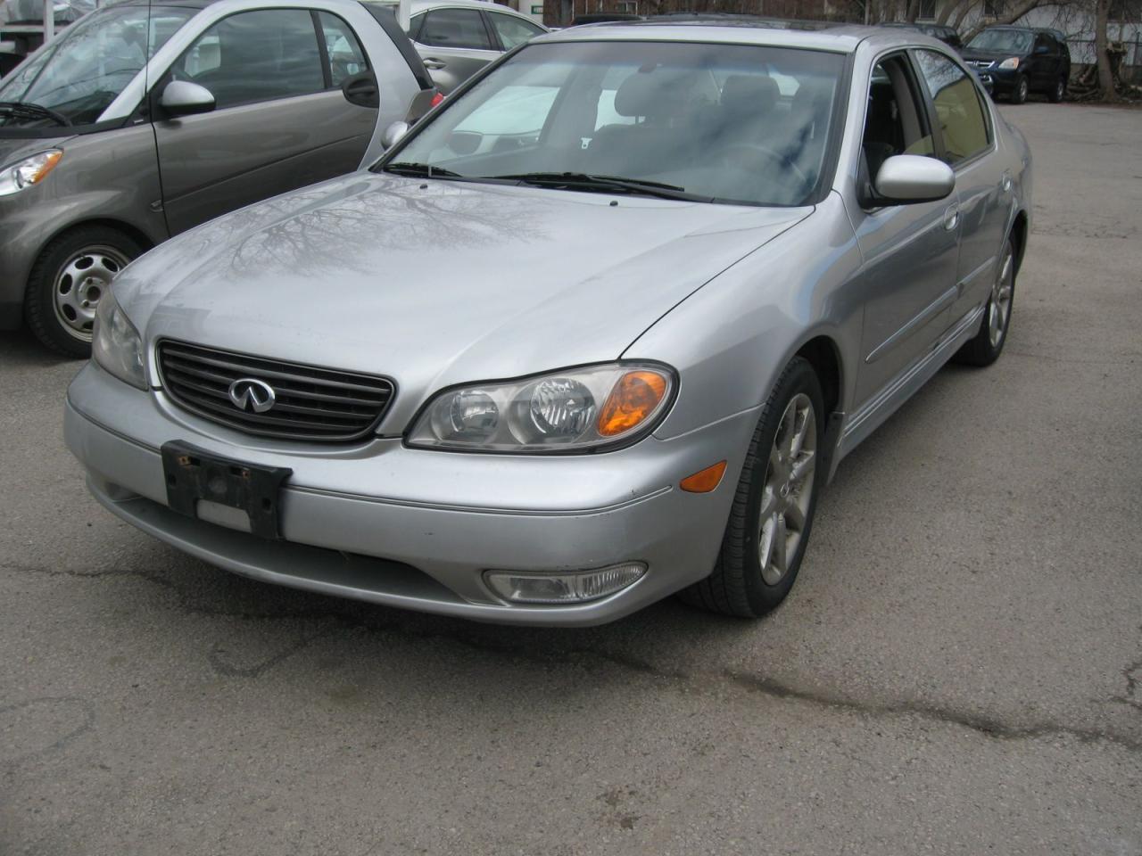 Photo of Silver 2004 Infiniti I35