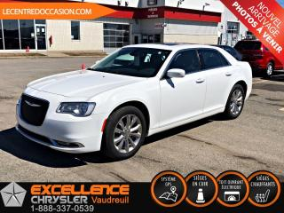 Used 2017 Chrysler 300 TOURING PLUS AWD *CUIR/TOIT/NAV/CAMERA* for sale in Vaudreuil-Dorion, QC