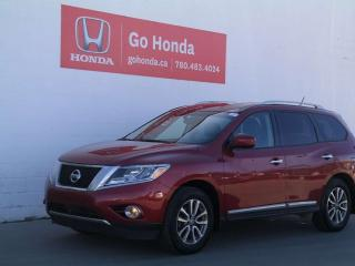 Used 2015 Nissan Pathfinder SL, AWD, LEATHER for sale in Edmonton, AB