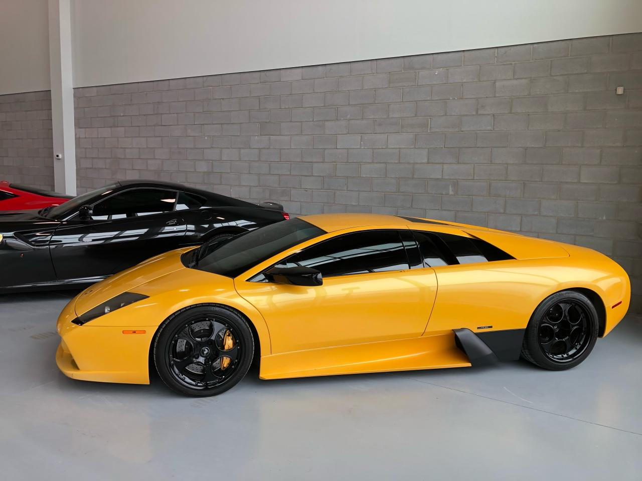 Photo of Yellow 2004 Lamborghini Murcielago