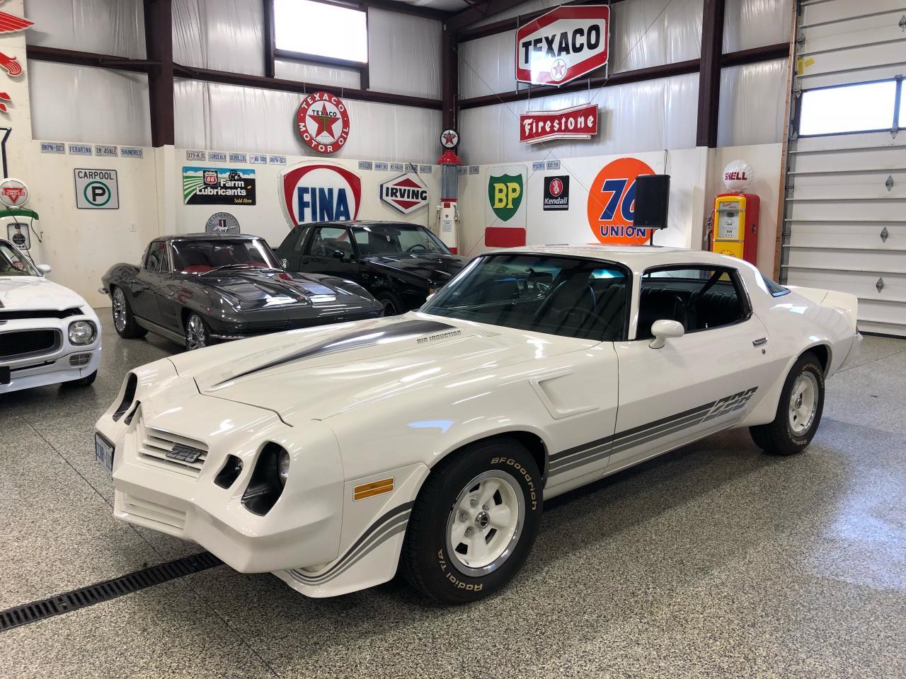 Photo of White 1981 Chevrolet Camaro