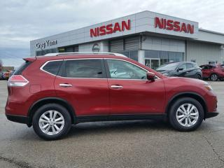 Used 2015 Nissan Rogue SV FWD w/heated seats,rear cam,panoramic roof,xm radio,bluetooth for sale in Cambridge, ON