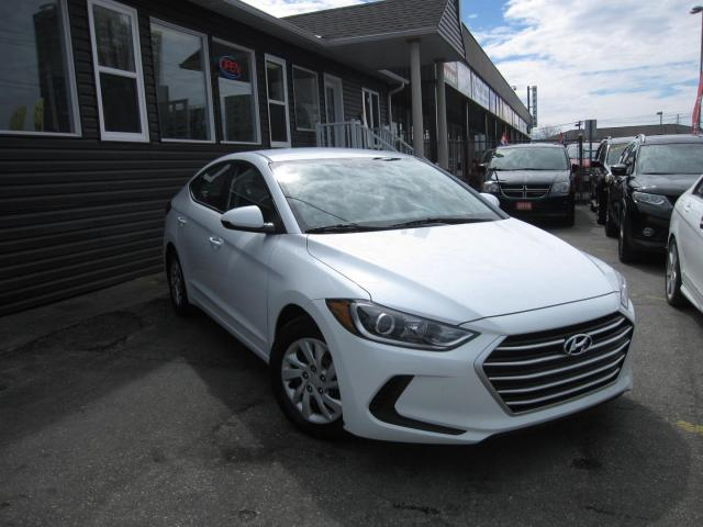 2017 Hyundai Elantra .... LOW KMS!!!  ACCIDENT FREE!!! HEATED SEATS