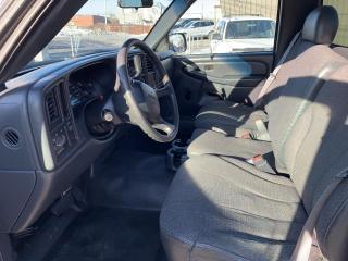Used 2002 GMC Sierra 1500 Cabine classique, empattement de 119 po for sale in Montréal-Nord, QC