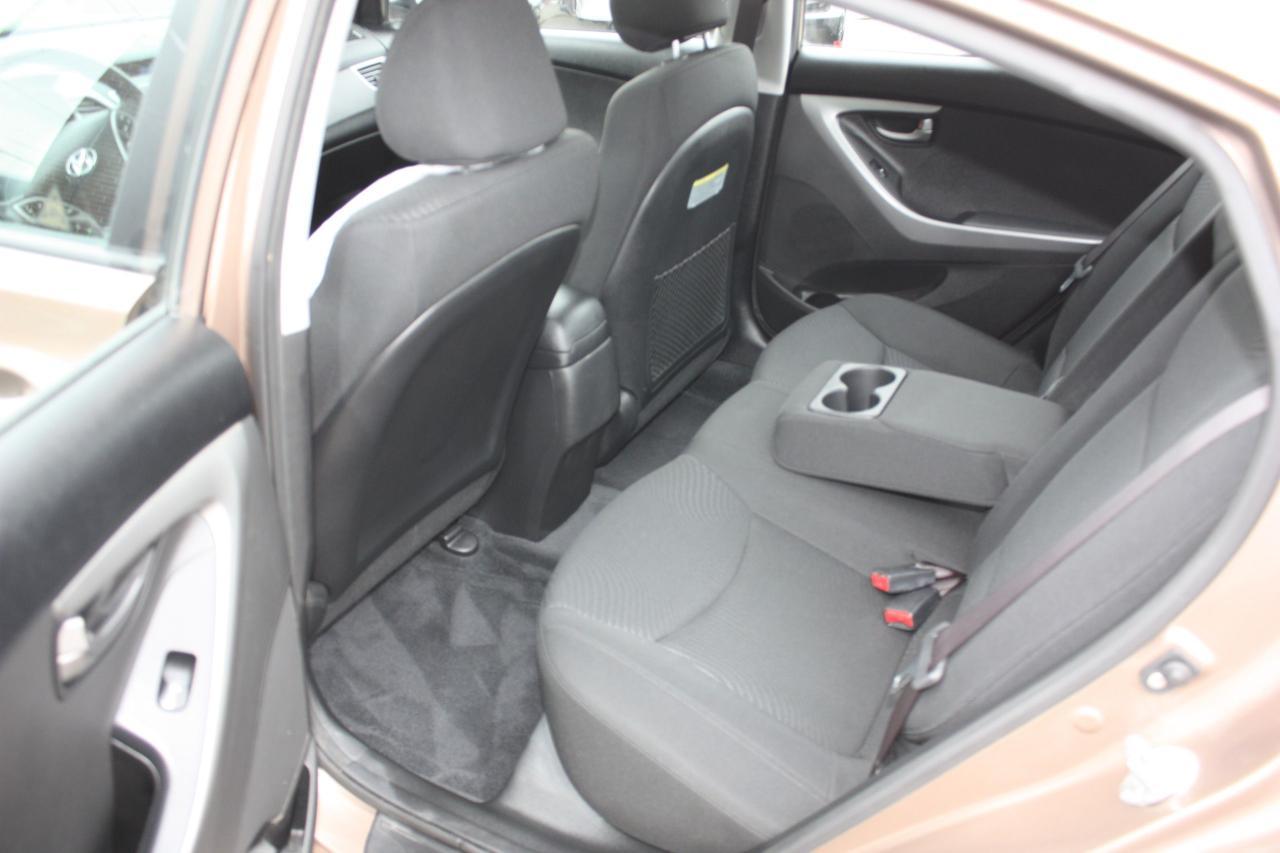 2015 Hyundai Elantra LOW LOW KMS