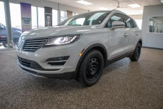 Used 2015 Lincoln MKC one owner, clean accident history, technology package, moonroof, navigation and 2.3L engine for sale in Okotoks, AB