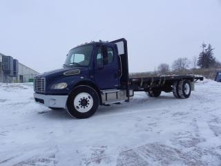 Used 2005 Freightliner M2 Business Class 22 FOOT FLAT DECK for sale in Brantford, ON