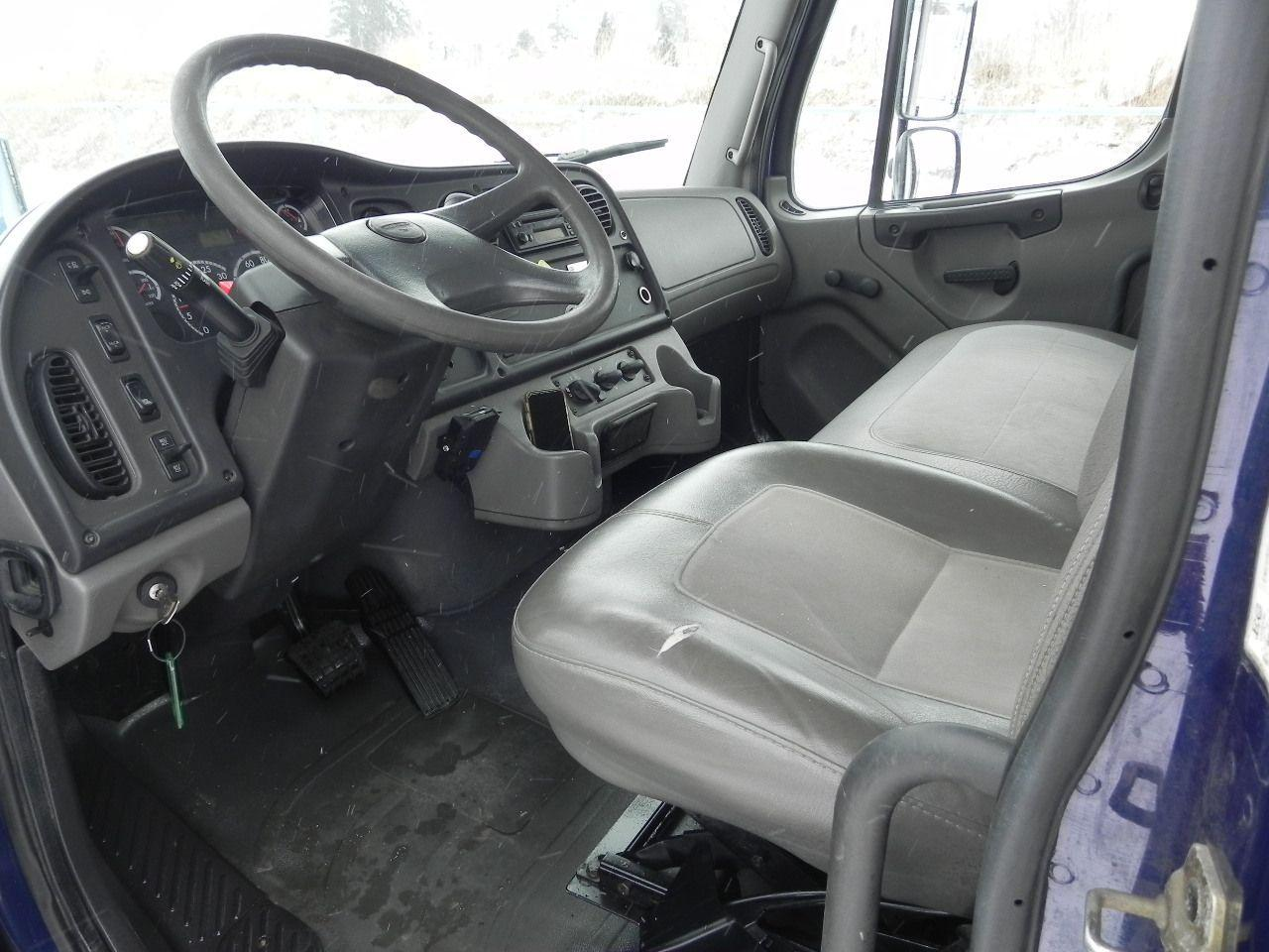 2005 Freightliner M2 Business Class