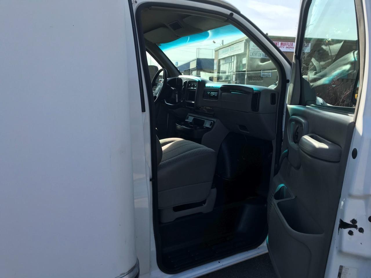 2001 Chevrolet Express 3500 Cube Van