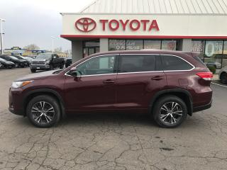 Used 2018 Toyota Highlander LE Backup Camera , alloys ,7 passenger for sale in Cambridge, ON