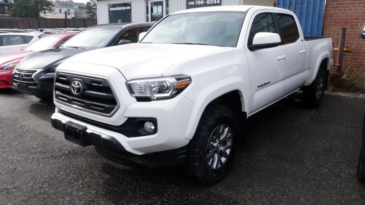 Photo of White 2017 Toyota Tacoma