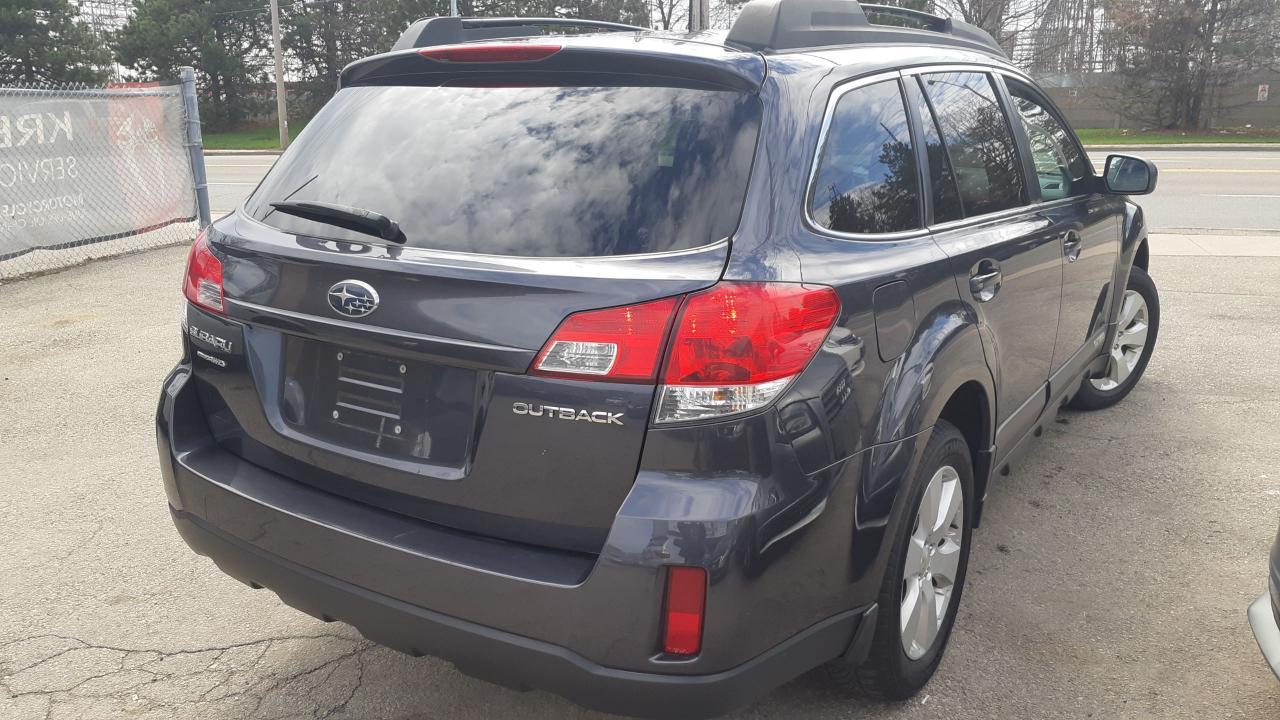 2011 Subaru Outback 2.5i Sport w/Limited Pkg