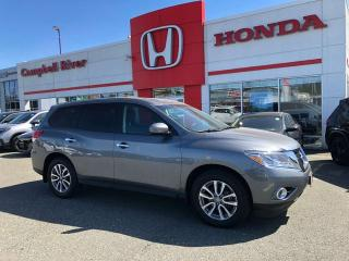 Used 2015 Nissan Pathfinder AWD 7 Passenger - $0 Down $192 Bi Weekly OAC! for sale in Campbell River, BC