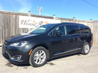 Used 2018 Chrysler Pacifica Touring-L Plus for sale in Stittsville, ON