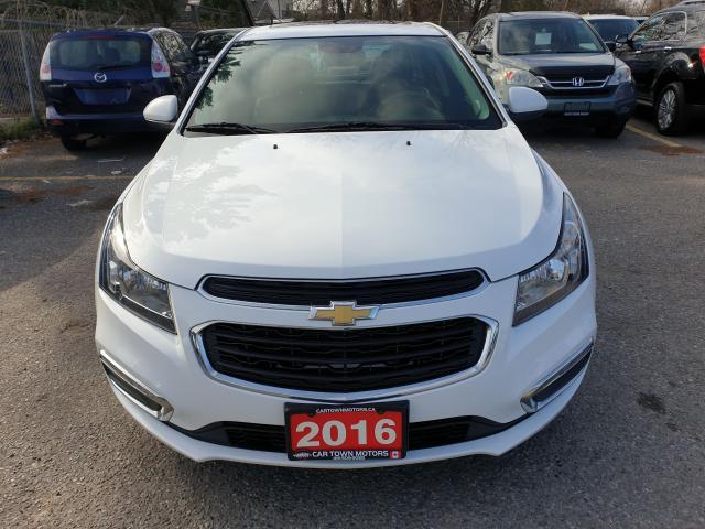 2016 Chevrolet Cruze 2LT Photo2