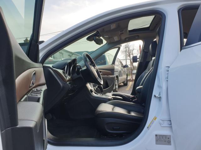 2016 Chevrolet Cruze 2LT Photo15