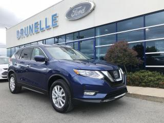 Used 2017 Nissan Rogue Sv Awd Toit Gps for sale in St-Eustache, QC