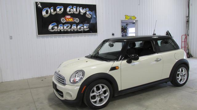 2012 MINI Cooper Only 75lm, pano roof, automatic