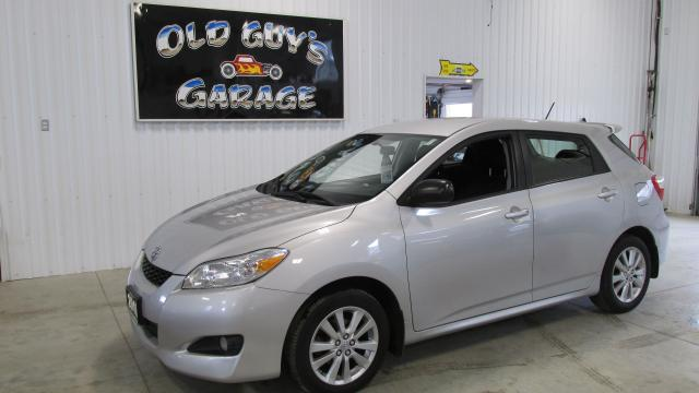 2010 Toyota Matrix Accident free, low kms