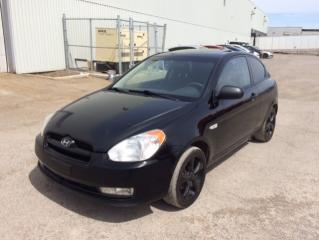 Used 2011 Hyundai Accent Hayon 3 portes, boîte manuelle, L for sale in Quebec, QC