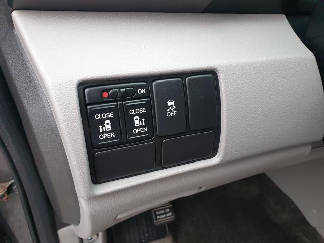 2013 Honda Odyssey EX Photo22