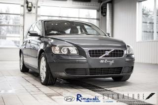 Used 2005 Volvo V50 2.4L 5P CHEZ for sale in Rimouski, QC