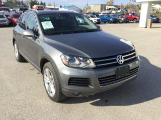 Used 2013 Volkswagen Touareg Highline | Touareg | Accident Free | Bluetooth for sale in Harriston, ON