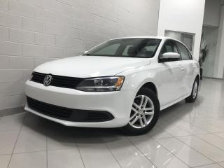 Used 2014 Volkswagen Jetta Modèle Trendline+ 4 portes 2,0L boîte au for sale in Chicoutimi, QC