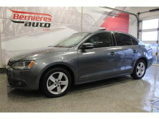 Used 2014 Volkswagen Jetta Comfortline+ Toit for sale in Lévis, QC