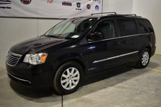Used 2013 Chrysler Town & Country TOURING for sale in Sherbrooke, QC