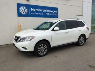 Used 2016 Nissan Pathfinder SV 4WD - 7 PASSENGER / HEATED SEATS for sale in Edmonton, AB
