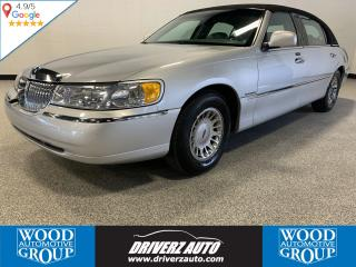 Used 2001 Lincoln Town Car Cartier VERY GOOD CONDITION, LOW KM, ONE OWNER, CLEAN CARFAX. for sale in Calgary, AB
