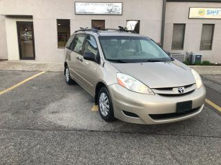 Used 2006 Toyota Sienna MINT CONDITION,NO ACCIDENTS,SERVICE RECORDS for sale in Burlington, ON