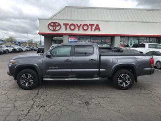 Used 2017 Toyota Tacoma TRD Sport moonroof board tonneau cover for sale in Cambridge, ON