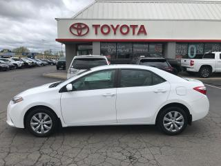 Used 2016 Toyota Corolla LE back up camera Heated Seats. Auto for sale in Cambridge, ON