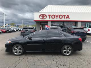 Used 2014 Toyota Camry SE , NAVIGATION , moonroof , camera , for sale in Cambridge, ON